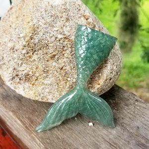 Mermaid tail magnet